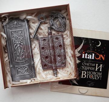 Корпоративные подарки оптом | Новогодние подарки и сувениры из шоколада оптом. Изготовим из шоколада любые изделия по вашим эскизам, фотографиям и т.п.