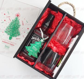 Подарочный набор с алкоголем в деревянном футляре к Новому году