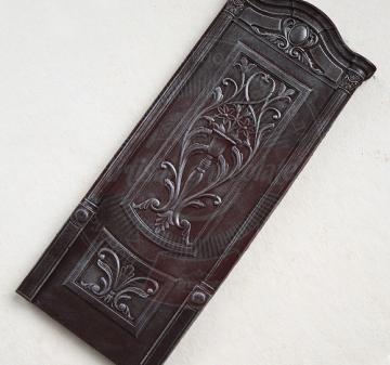Корпоративные подарки производителям мебели и дверей   Барельефы из шоколада: дверь, дверная петля, дверная скважина, ключ, вес 210 г. Шоколад темный, содержание какао 54.1% Подарочная упаковка: пенал из фанеры с полноцветной печатью по дереву в корпоративном стиле компании, размер упаковки: 210х210x40мм.