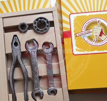 Шоколадные инструменты   Корпоративные подарки оптом.  С Днём нефтяника