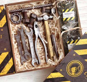Подарки  из шоколада Инструменты